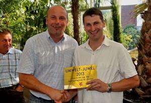 Vizebürgermeister Gerald Salzner überreichte den Preis stellvertretend für die Marktgemeinde St. Florian